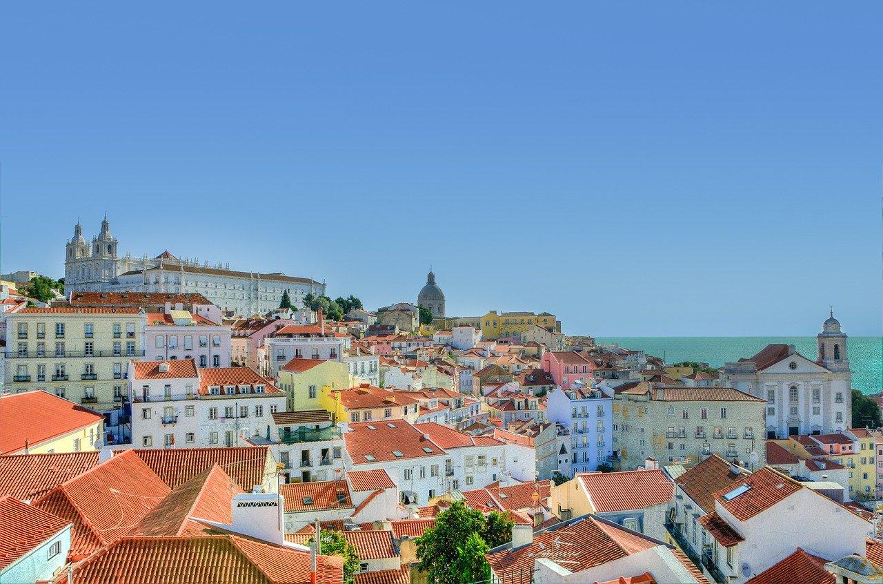 Meio Dia em Lisboa